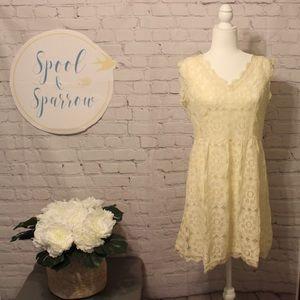 Soleblu Creamy Floral Lace Dress NWT